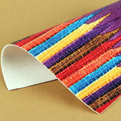 大量现货供应蜥蜴纹PVC革 适用于:箱包手袋、鞋革等